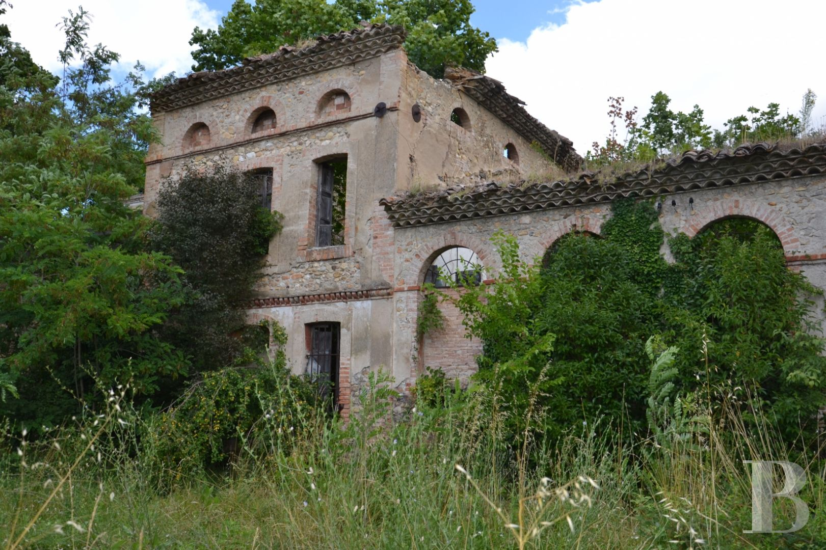character properties France midi pyrenees character houses - 5 zoom
