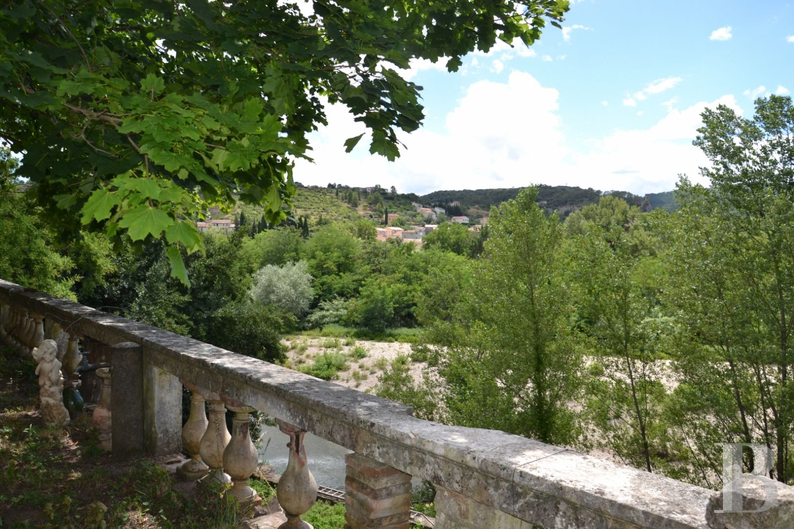 character properties France midi pyrenees character houses - 9 zoom