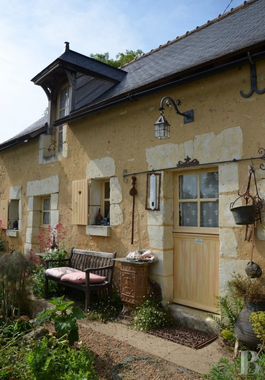 character properties France pays de loire 18th century - 2