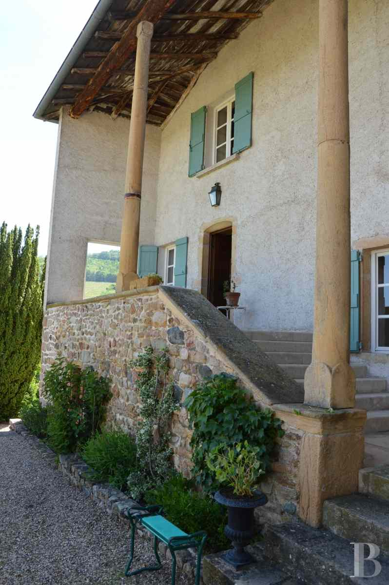 character properties France rhones alps vines beaujolais - 6 zoom