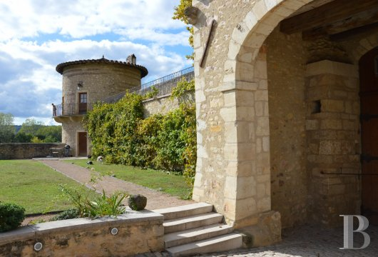 chateaux for sale France rhones alps lyon medieval - 10 mini