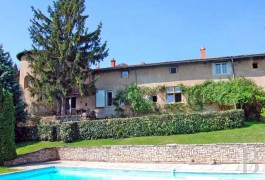 Farms for sale - rhones-alps - Near to Lyon,-fortified, yellow stone farm