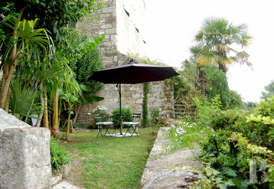 character properties France midi pyrenees quercy medieval - 15