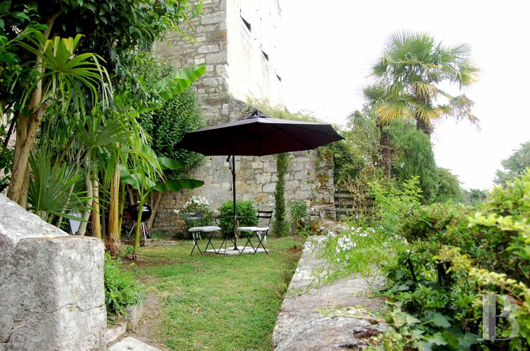 character properties France midi pyrenees quercy medieval - 15 zoom