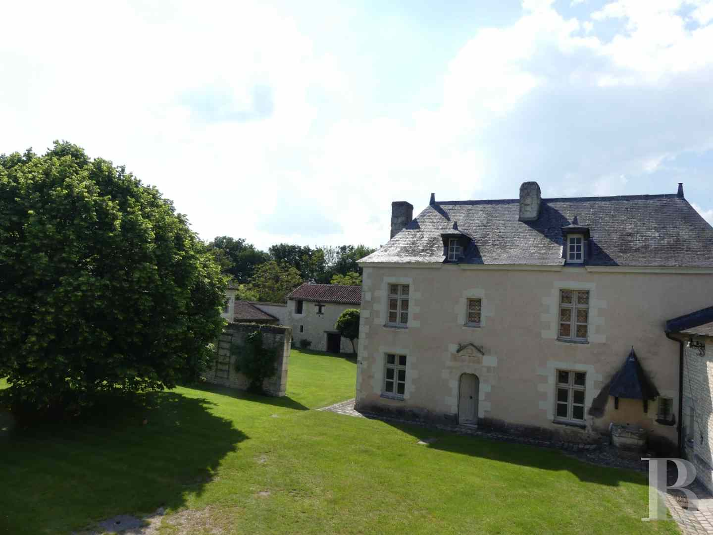 property for sale France poitou charentes residences historic - 3 zoom