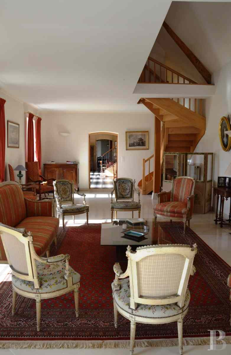 character properties France center val de loire large luxurious - 5 zoom