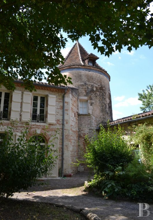 chateaux for sale France aquitaine agen 18th - 5