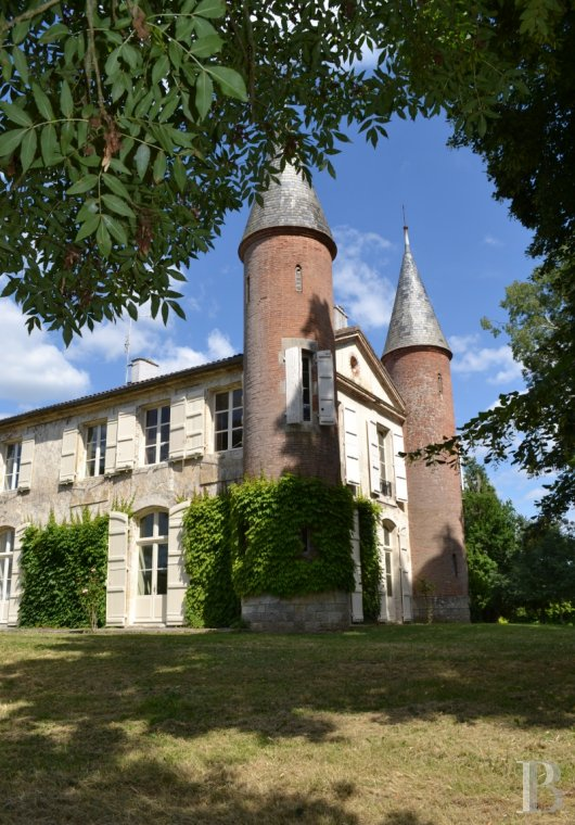 chateaux for sale France aquitaine agen 18th - 4