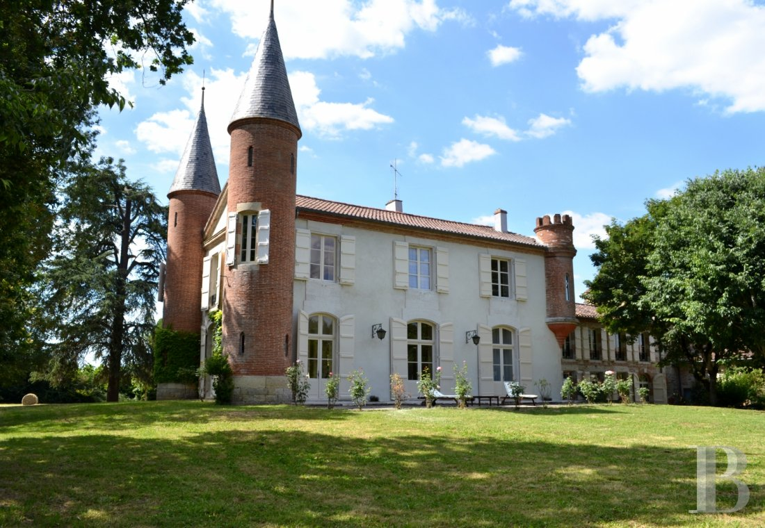 chateaux for sale France aquitaine agen 18th - 1
