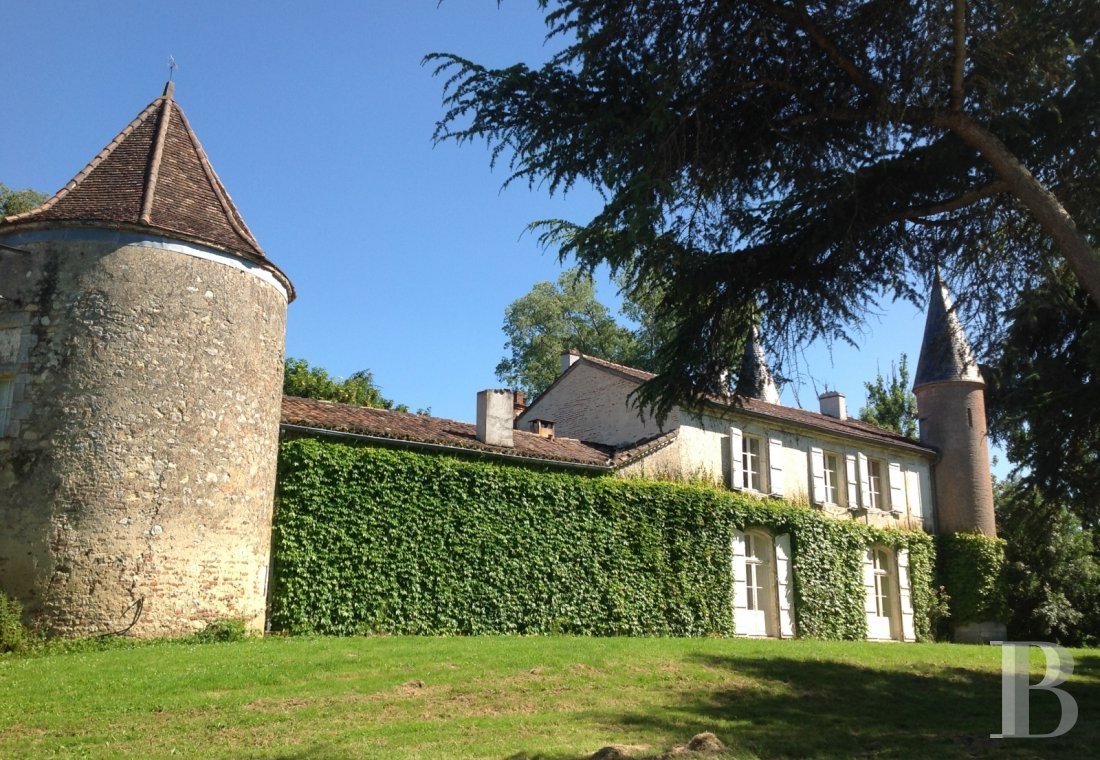 chateaux for sale France aquitaine agen 18th - 6