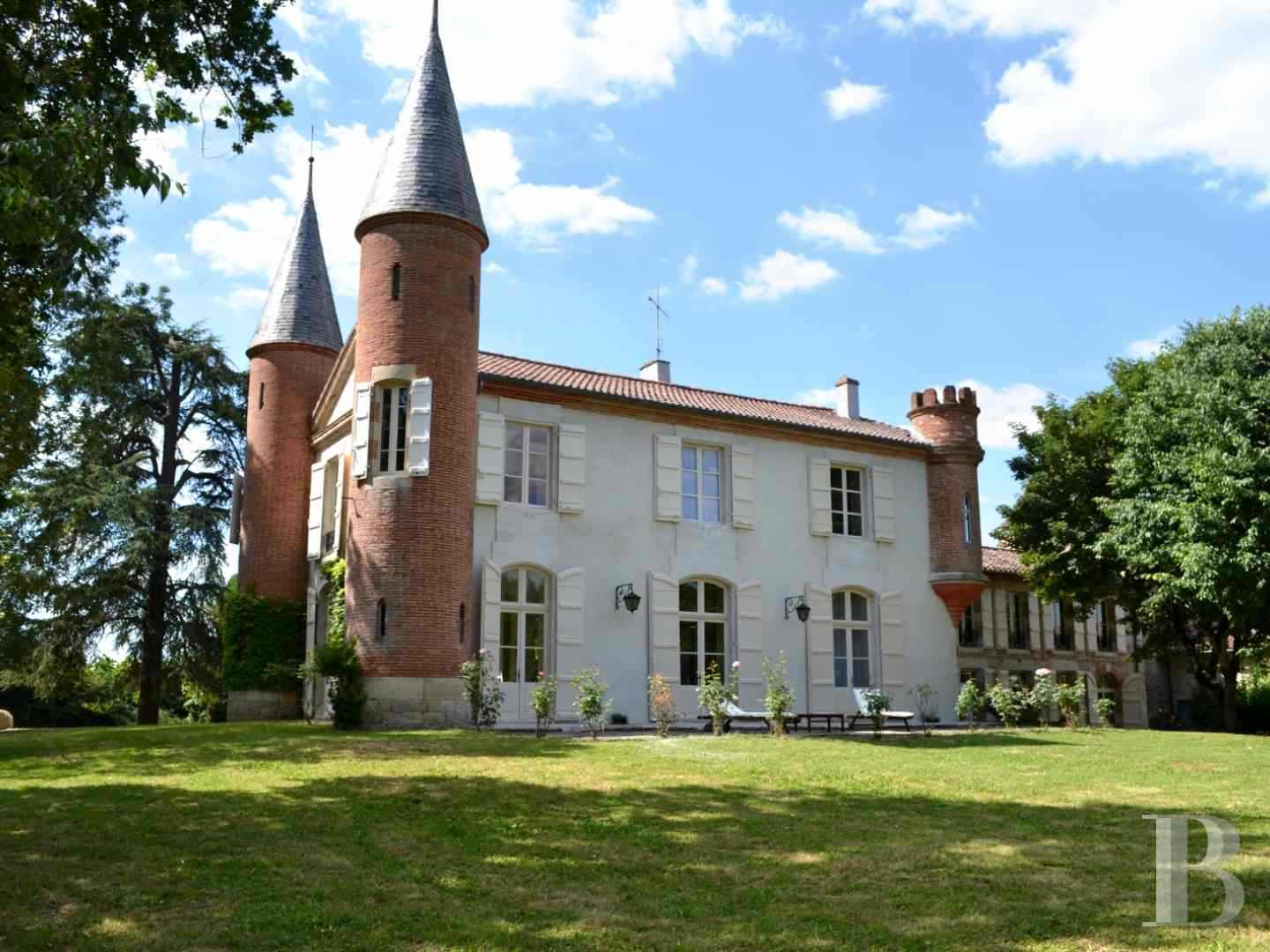 chateaux for sale France aquitaine agen 18th - 1 zoom