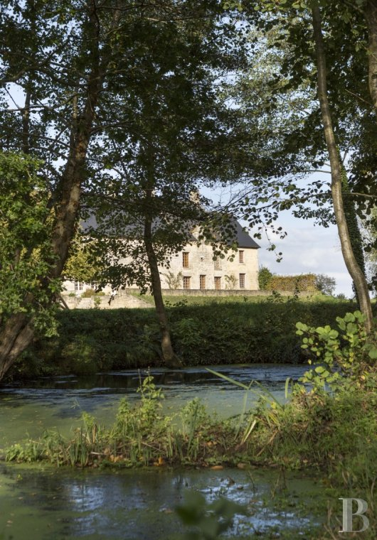 fA welcoming manor perched by the edge of a river in the land of shelly sands on the way to Dinan - photo n°4