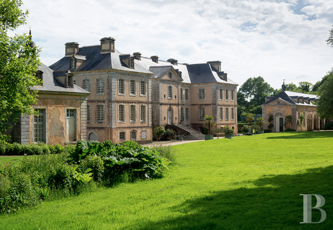 An 18th century chateau offering luxurious stays at the tip of Cotentin - photo  n°3