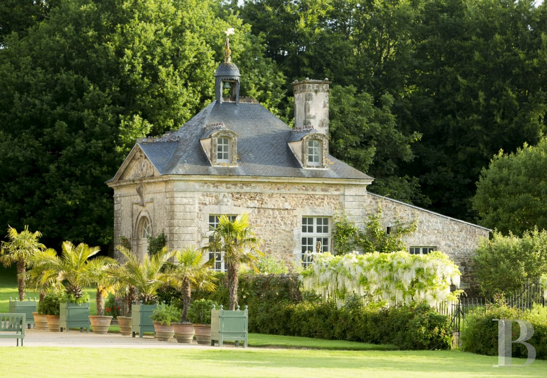 An 18th century chateau offering luxurious stays at the tip of Cotentin - photo  n°2