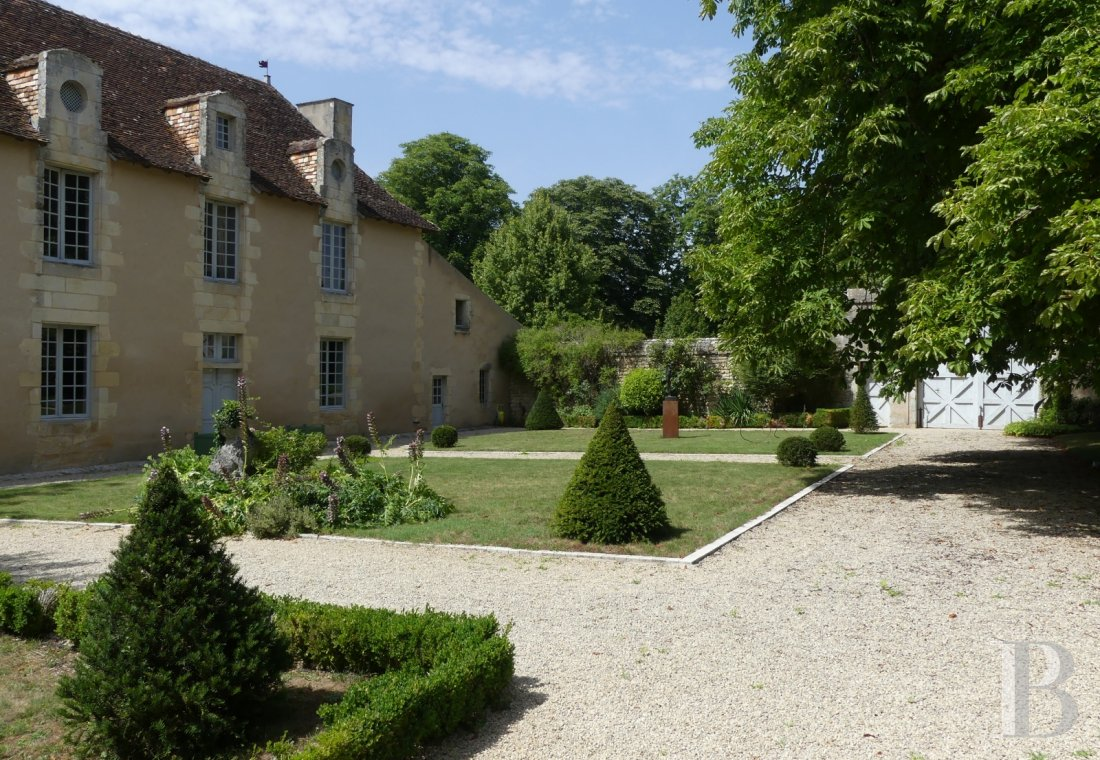 France mansions for sale poitou charentes poitiers estate - 1 mini