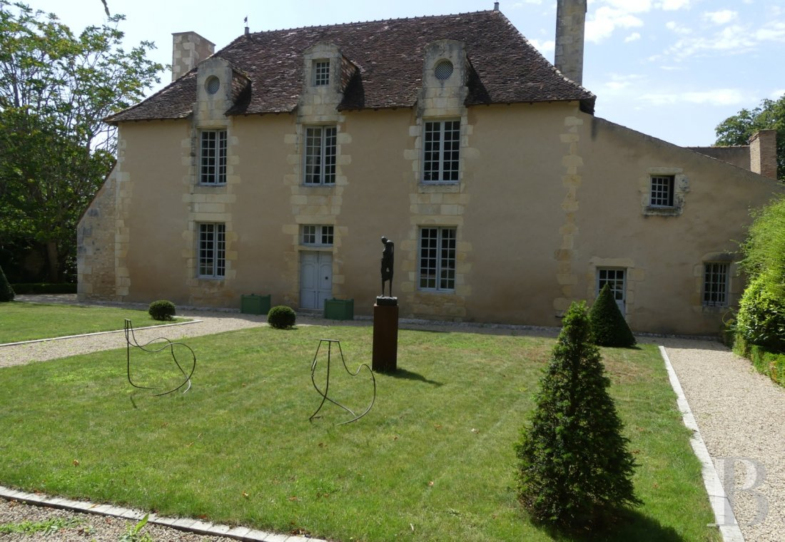 France mansions for sale poitou charentes manors equestrian - 1