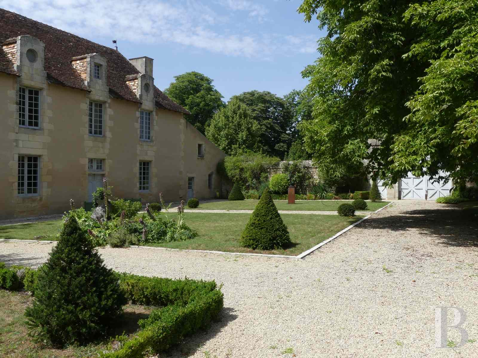 France mansions for sale poitou charentes poitiers estate - 1 zoom