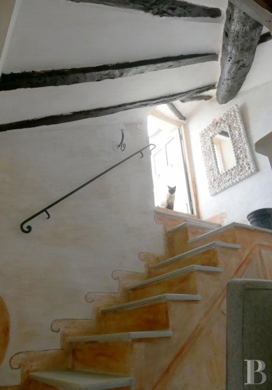 character properties France corse 2 storey - 5