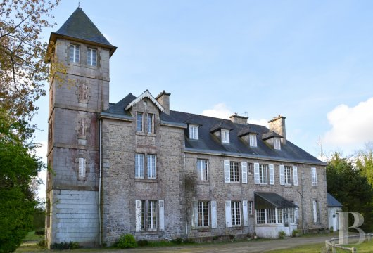 chateaux for sale France brittany castles chateaux - 3 mini