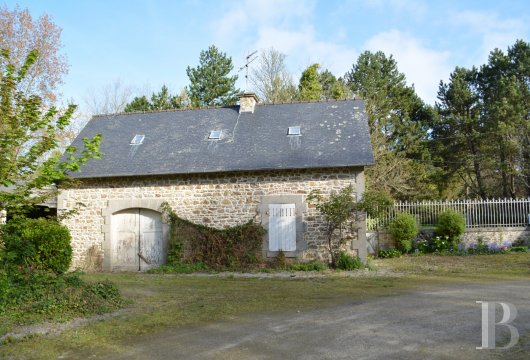 chateaux for sale France brittany castles chateaux - 9 mini