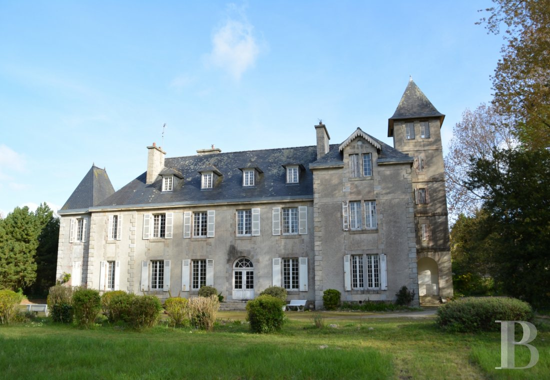 chateaux for sale France brittany castles chateaux - 1 mini