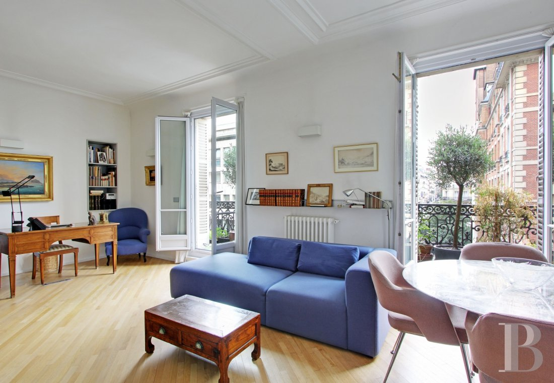 appartments for sale paris place maubert - 1