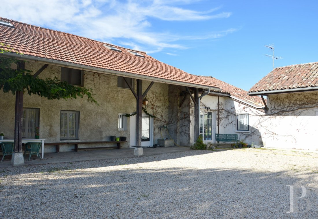 character properties France rhones alps farmhouse renovated - 1