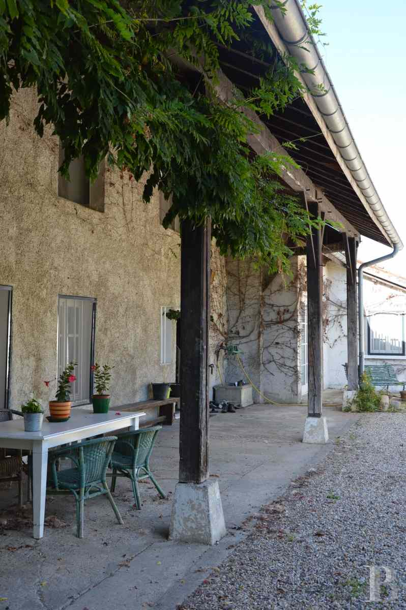 character properties France rhones alps farmhouse renovated - 2 zoom