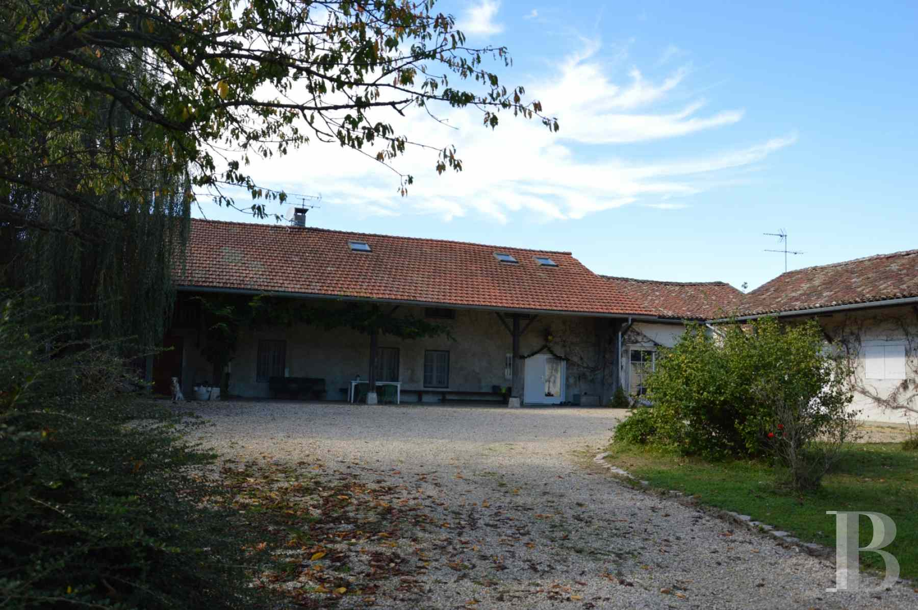 character properties France rhones alps farmhouse renovated - 4 zoom