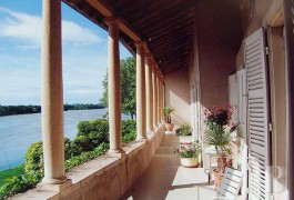 Residences for sale - rhones-alps - On the banks of the Saône,-15th century residence