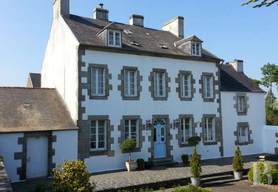 Character houses for sale - brittany - An 18th century, large, luxurious home, with a garden and outbuildings,  in a village in the north of Brittany's French department of Finistère