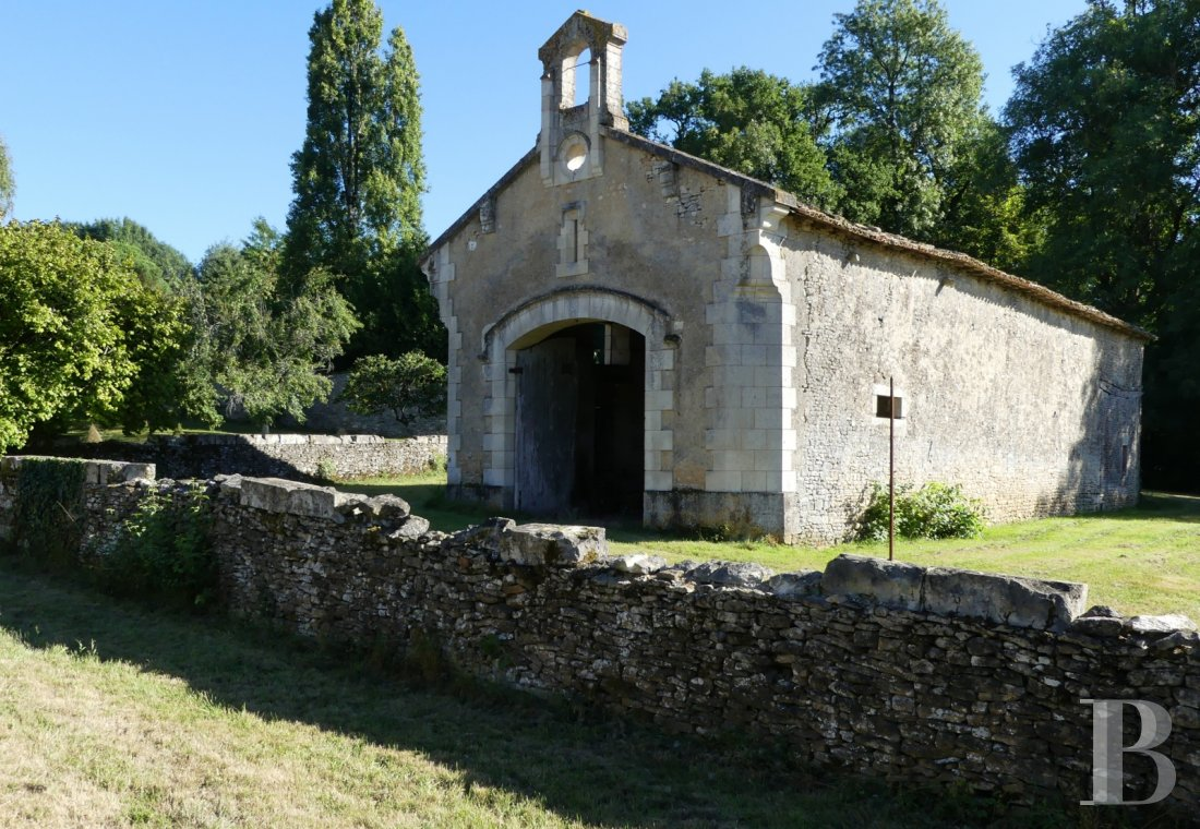 France mansions for sale poitou charentes 18th century - 13