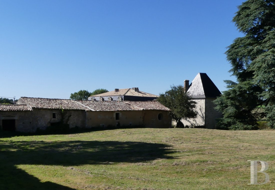 France mansions for sale poitou charentes 18th century - 14