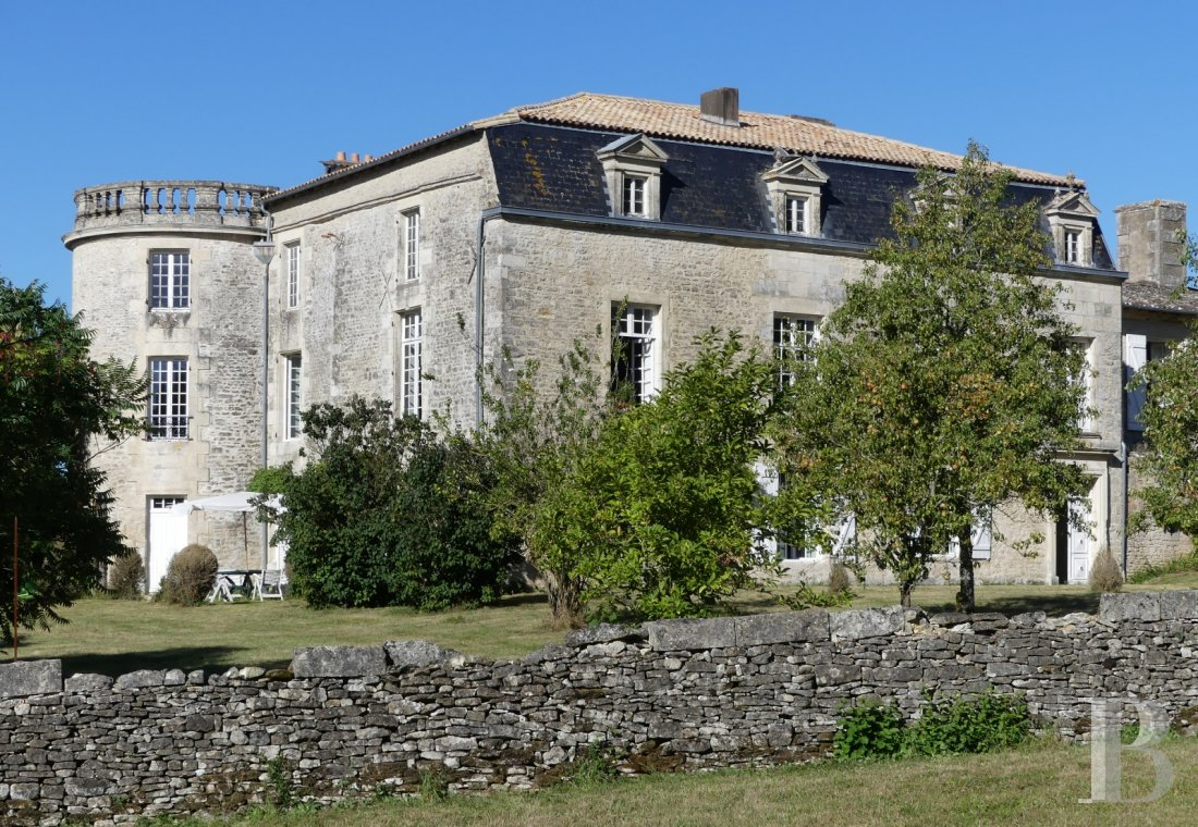 France mansions for sale poitou charentes 18th century - 3