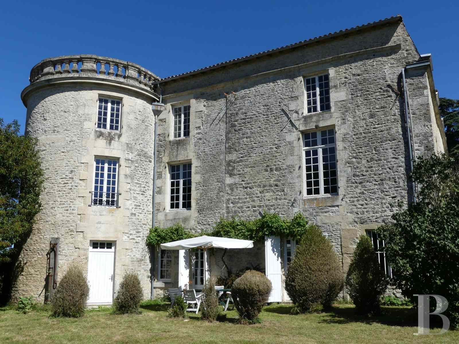 France mansions for sale poitou charentes 18th century - 1 zoom