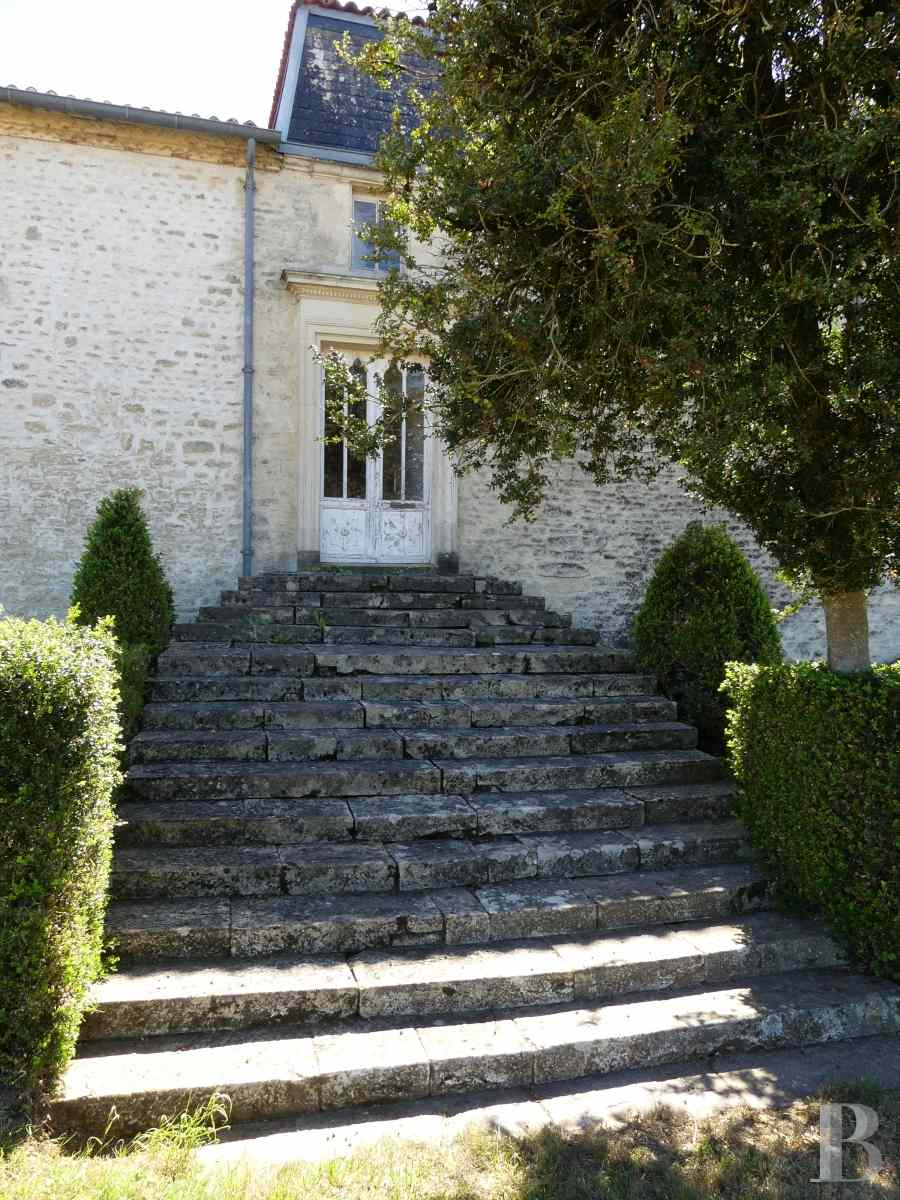 France mansions for sale poitou charentes 18th century - 4 zoom