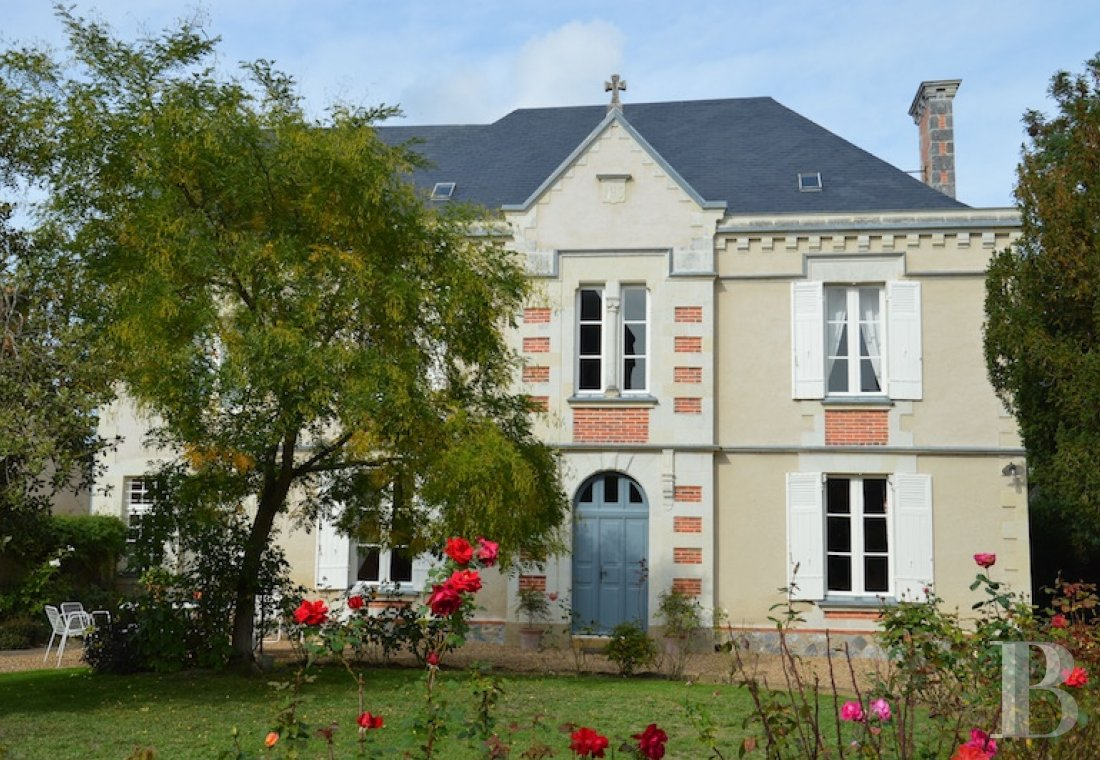 monastery for sale France pays de loire presbytery outbuildings - 1