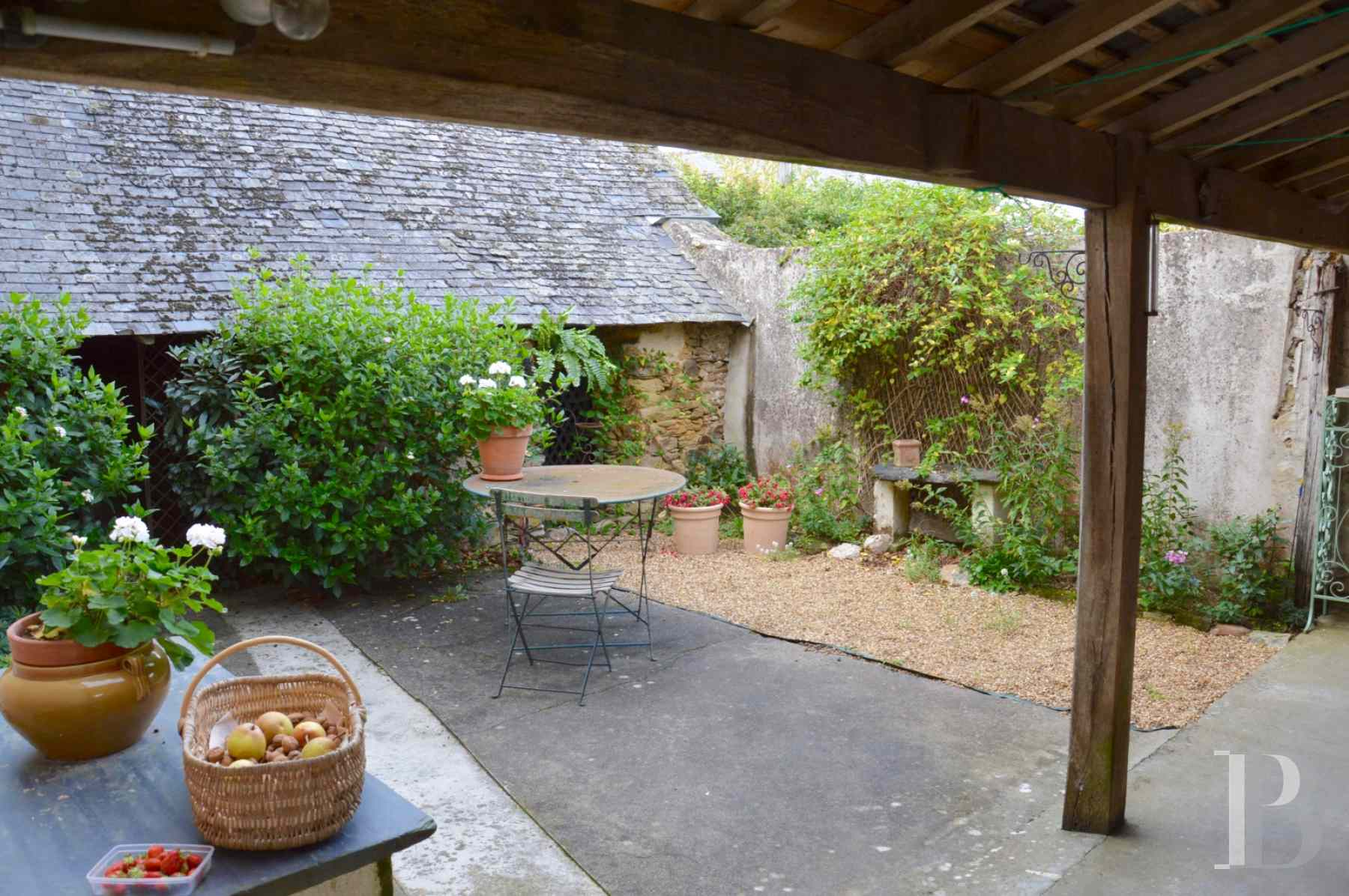 monastery for sale France pays de loire presbytery outbuildings - 10 zoom