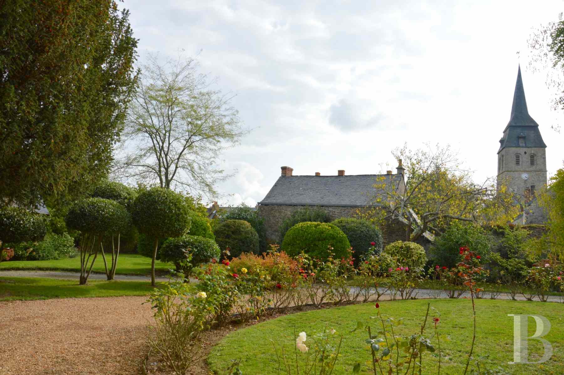 monastery for sale France pays de loire presbytery outbuildings - 15 zoom