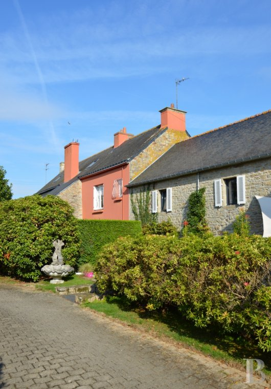 character properties France brittany finistere houses - 3
