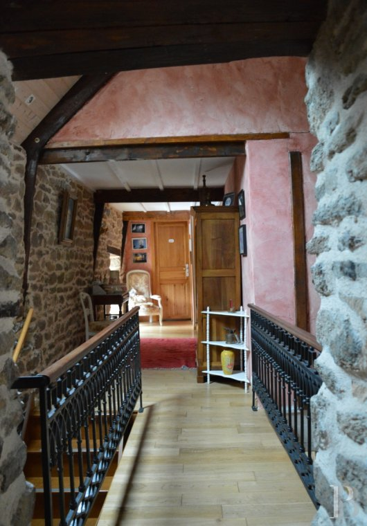 character properties France brittany vannes property - 7