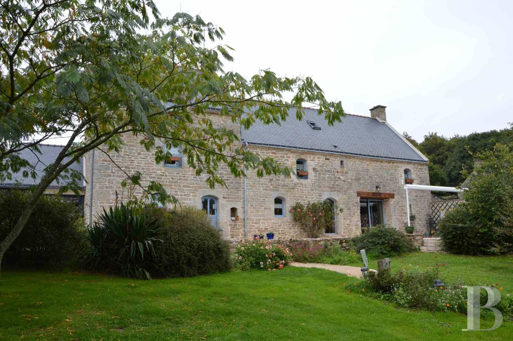 character properties France brittany vannes property - 1 zoom