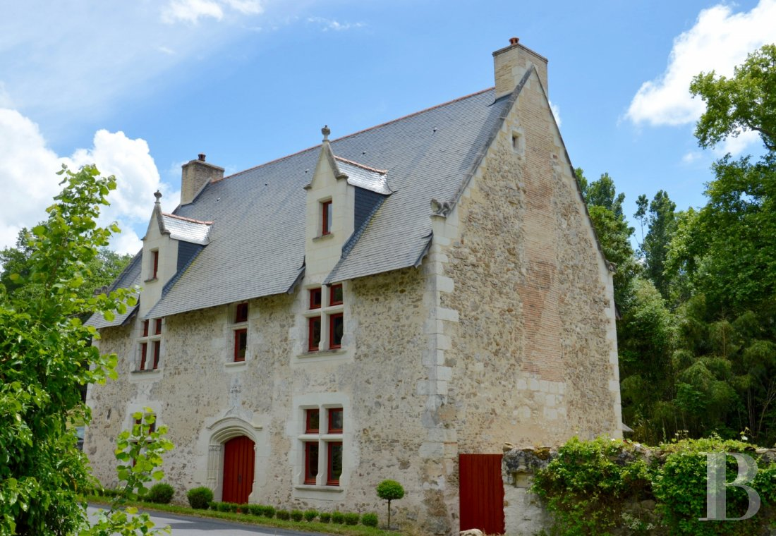 France mansions for sale pays de loire manors historic - 1