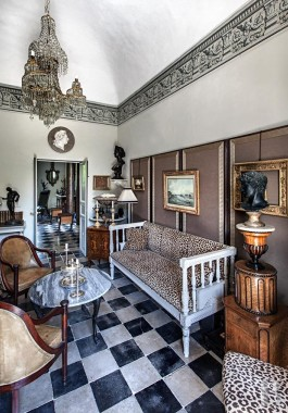 A perfectly restored, elegant, neo-classical style villa <br/>in Noto, on the Isle of Sicily