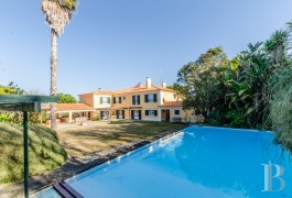 A large residence in an enclosed garden of almost 1 hectare  near to Sintra between the mountains and the Atlantic Sea