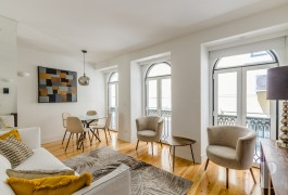 A well-located, stylish flat,  in a building covered with azulejos, in Lisbon