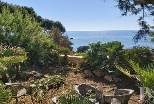 A designer house with direct beach access,  near to the Mallorcan village of Cala-Ratjada